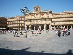 Salamanca una ciudad por descubrir, muy cercana gracias al tren https://www.truecalia.com/blog/salamanca-una-ciudad-cercana-en-tren-con-encanto-a-orillas-del-tormes/