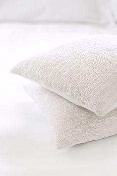 White Silk Shirring Lines Cushion