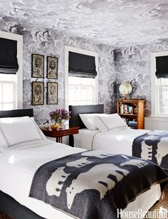 Design File: Big, Beautiful Bold Wallpaper Patterns that will Totally Make the Room | Apartment Therapy