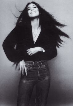Cher by Richard Avedon, 1971 Richard Avedon, Twiggy, Cher Photos, Charlotte Rampling, Look Vintage, Vintage Vibes, Vintage Glamour, Vintage Denim, Vintage Beauty