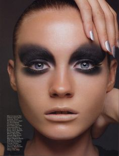 Extreme Smoky Eye Makeup