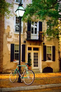hueandeyephotography:  Bicycle and Lamp Post, Charleston, SC Copyright Doug Hickok. All Rights Reserved