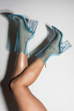 Hot High Heels, Sexy Heels, Pumps Heels, Clear Heel Boots, Clear Shoes, Rubber Shoes Outfit, Plastic Boots, Court Heels, Rhinestone Heels