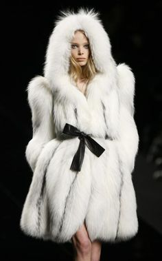 fur fashion directory is a online fur fashion magazine with links and resources related to furs and fashion. furfashionguide is the largest fur fashion directory online, with links to fur fashion shop stores, fur coat market and fur jacket sale. Fur Fashion, Look Fashion, High Fashion, Winter Fashion, Womens Fashion, Fashion Ideas, White Fur, Black And White, Tanya Dziahileva