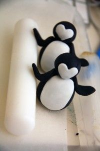 How to make a fondant penguin topper