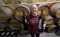 OLYMPIA, Washington, EE.UU. (AP) — Una propuesta presentada en el estado de Washington permitiría a los amantes del vino rellenar jarras reutilizables en cualquier comercio o establecimiento con licencia para vender vinos.