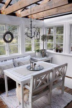 Blanco y transparente