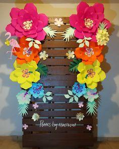 19th Birthday, Birthday Bash, Happy Birthday, Hawaiian Birthday, Summer Birthday, Ideas Para Fiestas, Paper Flowers, Party Themes, Crafty