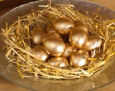 Easter Egg Basket, Easter Eggs, Gold Everything, Gold Money, Gold Spray Paint, Gold Aesthetic, Gold Bullion, Shades Of Gold, Happy Easter