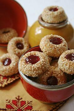 Voici une idée de gâteau maghrébin simple et économique à réaliser pour la fête de l'Aîd annoncée ce samedi ou ce dimanche....