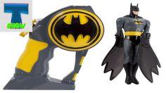 Бэтмен Распаковка игрушки  Летающий Бэтмен запускаем и играем Unpacking ...