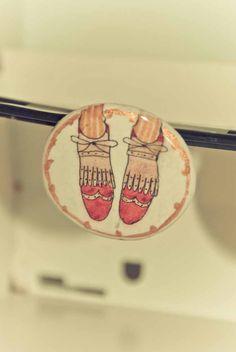 """broche redondo de la colección """"zapatos"""""""