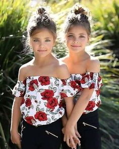Clements Twins Leah and Ava Beautiful Little Girls, Cute Little Girls, Little Girl Dresses, Beautiful Children, Girls Dresses, Twin Outfits, Mode Outfits, Girl Outfits, Twin Baby Girls
