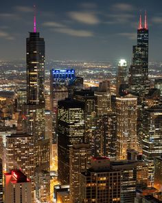City Aesthetic, Travel Aesthetic, Chicago Skyline Pictures, Overseas Adventure Travel, Chicago At Night, New York Wallpaper, Night Scenery, City Vibe, Chicago Artists