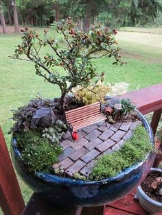 Miniature garden design, great idea, need to make one of these