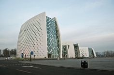 DADA Architecture have completed the 7th Strawberry Symposium exhibition center and hotel in Beijing, China.