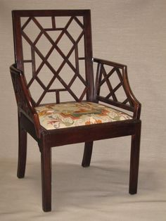Amazing antique furniture - by the famous Thomas Chippendale. this is a Chippendale I would like to have at home :-) Antique Chairs, Antique Furniture, Chippendale Chairs, Cabinet Makers, Furniture Styles, Queen Anne, Sofa Chair, Georgian, Chinoiserie