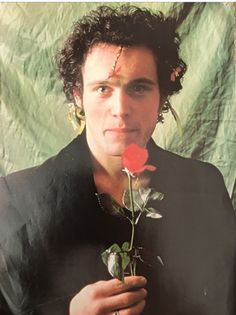 https://slapdashedenblog.wordpress.com/2016/08/26/adam-ant-rockstar-numero-uno-march-1982-cover-and-6-page-article-italy/