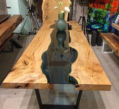 """""""Rivertable"""" Massivholztisch aus Ulmenholz mit Glas"""
