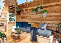Driverhus - en funktionel oase - #SILVANDIY Outdoor Sofa, Outdoor Furniture, Outdoor Decor, Porch Swing, Garden Inspiration, Garden Plants, Homemade, Home Decor, Guide