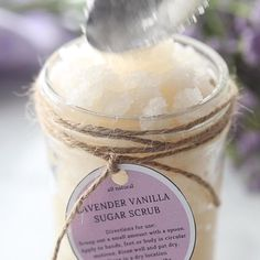 This Lavender Vanilla Sugar Scrub recipe is an easy homemade DIY to pamper yourself or give as a lovely gift. A simple sugar scrub that's all-natural since it contains essentials oils and smells wonderful! It's all natural. FREE printable tags. Video tutorial. Sugar Scrub Homemade, Sugar Scrub Recipe, Homemade Skin Care, Diy Skin Care, Vanilla Sugar Scrubs, Lavender Sugar Scrub, Diy Scrub, Body Hacks, Pennies