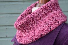 cowl Yarn weight: Worsted Gauge: 18 stitches = 4 inches Yardage: 219 yards m) Shawl Patterns, Knitting Patterns Free, Free Pattern, Knit Cowl, Knit Crochet, Knitting Projects, Crochet Projects, 200m, Knitting Accessories