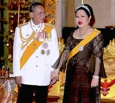 ♔♔♔ The Sixtieth Anniversary Celebrations of King Bhumibol Adulyadej's Accession to the Throne 2006 ♔♔♔