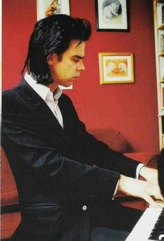 Nick Cave al piano. Photo Rock, Red Right Hand, Nick Cave, Susie Cave, The Bad Seed, Lovely Creatures, Gothic Rock, Music Icon, Post Punk