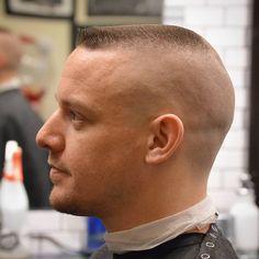 Skinhead Short Fade Haircut, Flat Top Haircut, Short Hair Cuts, Boy Haircuts Short, Haircuts For Men, Marine Haircut, Classic Mens Haircut, Military Haircuts Men, Brylcreem