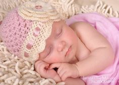 Crochet baby beanie hat with flower