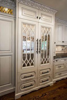 Luxury Kitchen Luxury Today - Page 9 of 220 - Luxury Lifestyle Home and Living Magazine Elegant Kitchens, Luxury Kitchens, Beautiful Kitchens, Cool Kitchens, Kitchen Living, Kitchen Decor, Design Kitchen, Kitchen Ideas, Kitchen Layouts