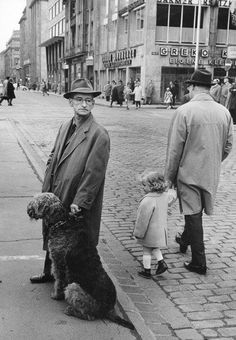 lLeonard Freed with an Airedale Terrier