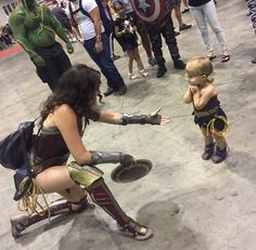 Wonder Woman Meets Her Mini-Me And A Legend - COSPLAY IS BAEEE! Tap the pin now to grab yourself some BAE Cosplay leggings and shirts! From super hero fitness leggings, super hero fitness shirts, and so much more that wil make you say YASSS! Marvel Dc, Goodbye Brother, Dc Comics, Wonder Woman Cosplay, Dc Memes, Wonder Women, Wonder Woman Funny, Baby Wonder Woman, Wonder Woman Quotes