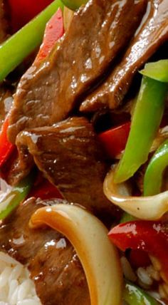 Pepper Steak Transport your taste buds to the Orient with this quick-cooking steak and bell peppers in a flavorful ginger sauce. ❊Transport your taste buds to the Orient with this quick-cooking steak and bell peppers in a flavorful ginger sauce. Healthy Diet Recipes, Meat Recipes, Asian Recipes, Crockpot Recipes, Oven Recipes, Fondue Recipes, Kabob Recipes, Recipies, Quick Beef Recipes