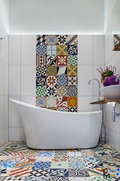 Eclectic Bathroom Design there are many designs that we can choose to apply. Look these 25 stunning Eclectic Bathroom Design Ideas. Mediterranean Bathroom, House Bathroom, Bathroom Interior Design, Patchwork Tiles, Eclectic Bathroom, Bathroom Trends, Tiny House Bathroom, Bathroom Tile Designs, Bathroom Decor
