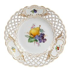 Plate, pierced, 2 fruits, gold rim and gold accents, ø 21 cm