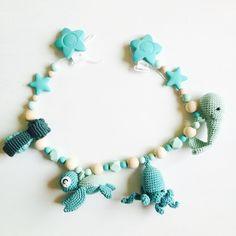 . So happy! The seaworld stroller chain is leaving soon. Fertig! Die Meereswelt-Kinderwagenkette geht bald auf Reisen! Que alegría! La cadena para carrito está lista para su viaje! . #amigurumiwhale #croché #crochet #crochetart #crochettoy #crochetdoll #crochetlove #crochetoctopus #crochetaddict #whale #häkeln #häkelkunst #häkelsucht #häkelwal #ganchillo #adictaalganchillo #ballena #baleine #ballena #blue #crochetersofinstagram #kawaii #crochetoctopus #sealife #seasnail #meeresschnecke…