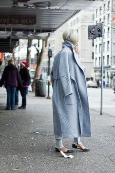Uber winter styling | Pale light blue coat | Light blue jeans | Pointed black flats | Street style