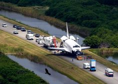 Space Shuttle Comes to Final Stop After 30 Years as presented by: Sacramento Bee Orion Nebula, Andromeda Galaxy, Helix Nebula, Carina Nebula, Mars Space, Nasa Space Program, Hubble Images, Space Race, Hubble Space Telescope