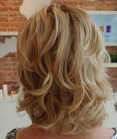 14.Layered Bob Hairstyle