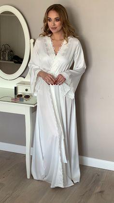Long bridal robe robe Long bridal robe with lace Ivory robe morning lingerie Lace Bridal Robe, Bridal Robes, Bridal Lingerie, Lingerie Set, Lingerie Dress, Most Beautiful Dresses, Sleepwear Women, The Dress, Dress Long
