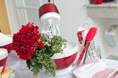 Red as decor theme. #color #decor #design #party #details #casadevalentina