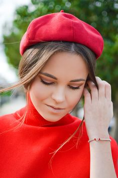 Santa Style In / Make up and hairstyle / Red Beret / by Tamara Bellis Fashion and Lifestyle Blog