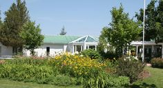 Elmhirst's Resort offers ideal facilities for groups of any size. Experience a wonderful balance of play, work, relaxation and networking.