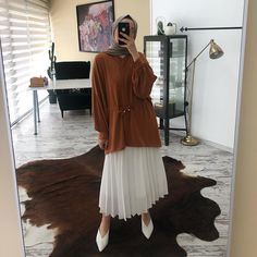 The warmest shade of earth color! Modern Hijab Fashion, Street Hijab Fashion, Hijab Fashion Inspiration, Muslim Fashion, Modest Fashion, Trendy Fashion, Girl Fashion, Fashion Outfits, Hijab Casual