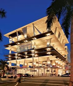 1111 Lincoln Road in Miami Beach looks like a gigantic parking garage, but it turns out that's only one of its uses. Designed and developed by the architects at Herzog & de Meuron Parking Building, Car Parking, Parking Lot, Miami Beach, Contemporary Architecture, Architecture Design, Landscape Architecture, Valencia, Lincoln Road