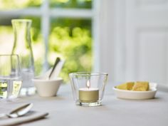 Al meer dan 150 jaar is Gouda bezig met het perfectioneren van hun kaarsen en dat is te zien. De kaarsen zijn kwalitatief erg goed door de perfecte balans tussen kaarsvet en lont. Met Gouda kaarsen bent u verzekerd van een heldere en contstante vlam, geen druipen of walmen en de kaarsen zijn moeiteloos opnieuw aan te steken! Gouda, Tableware, Dinnerware, Tablewares, Dishes, Place Settings