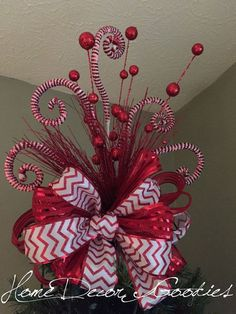 Christmas Tree Topper Bow /whimsical/ tree by Homedecorgoodies Ribbon On Christmas Tree, Christmas Bows, Christmas Tree Themes, Christmas Tree Toppers, Christmas Crafts, Decorate Christmas Tree Like A Pro, White Christmas Tree With Red, Hobby Lobby Christmas Trees, Grinch Christmas Tree