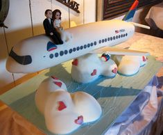 Image Detail for - Airplane Wedding Cake med