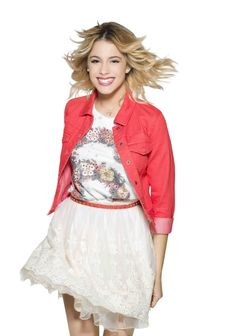 This page is an image gallery for Violetta Castillo. Please add to the contents of this page, but only images that pertain to the article. Violetta And Leon, Violetta Live, Violetta Outfits, Teen Actresses, Character Outfits, Movie Outfits, Event Photos, Female Singers, Disney Style
